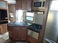 "2016 New Keystone Sprinter 313BHS Travel Trailer in Arizona AZ.Recreational Vehicle, rv, 2016 Keystone Sprinter313BHS, 15,000 BTU A/C, 40"" LED TV, Camping Made Easy Pkg, Correct Track, Decor- Peppercorn, Dream Mattress, Elec Stabilizer Jacks, Outdooor & More Kitchen, PAINTED CAP KEYSHIELD, Performance Insulation, Power Awning w/LED Lighting, RVIA Seal, Stainless Refer w/ Ice, Washer Dryer Prep,"