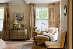 Sitting Area and Cabinet in Regency Villa by Hugh Leslie Ltd on Beige Room, Transitional Bedroom, Inviting Home, Country Style Homes, Country Houses, Interior Inspiration, Design Inspiration, Regency, Villa