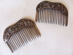 FINE PAIR OF ANTIQUE CHINESE STERLING SILVER HAIR COMBS REPOUSSE DRAGONS #Stamped