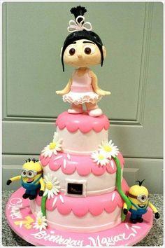 Deliciosa torta para fiesta temática Minions. #torta #Minions