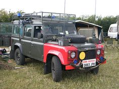 uxb eod land rover - Google Search Emergency Vehicles, Defenders, Land Rover Defender, Range Rover, Tanks, Military, Fire, Google Search, Shelled
