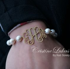 Personalized fresh water pearl bracelet with handmade monogram initials. Customize it with your initials in yellow Gold