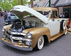 Tutone Chevy Truck by StallionDesigns on DeviantArt 54 Chevy Truck, Chevy Trucks, Vintage Cars, Antique Cars, Chevrolet 3100, Classy Cars, Chevy Pickups, Cool Cars, Dream Cars