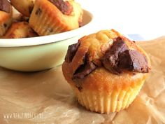 Saftige Joghurt-Muffins mit extra großen Schokostücken - rehlein backt