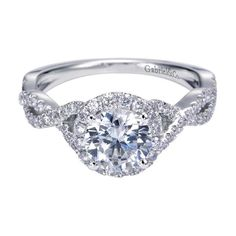 Diamond engagement ring with a elegant design. Marshall Jewelry Gabriel NY | Engagement Rings | Engagement Jewelry