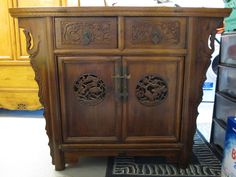 LARGE c1920 CHINESE CARVED ALTER CABINET SIDEBOARD ORIENTAL SOLID CAMPHOR WOOD
