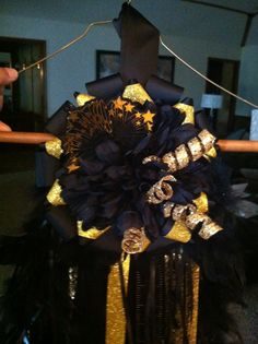 Blk gold single mum top for amarillo High school by Veronica Arreola - homecoming mum