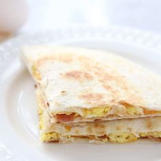 Breakfast Quesadillas with bacon, egg and cheese. An easy breakfast or dinner idea your family is sure to LOVE Quesadillas with bacon, egg and cheese. An easy breakfast or dinner idea your family is sure to LOVE! Breakfast Dishes, Best Breakfast, Healthy Breakfast Recipes, Brunch Recipes, Easy Breakfast Food, Good Breakfast Ideas, Breakfast Crockpot, Healthy Food, Healthy Baking