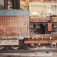 Pendant and earring jewelry display