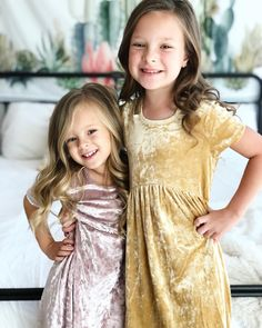 Thankful we are sisters and best friends! Thankful for Jesus, family, school, friends, and our bedroom! What are you thankful for? Daily Bumps, Johnson Family, Ten, Matching Outfits, Star Fashion, Cute Kids, Family Photos, Flower Girl Dresses, Cooker Recipes