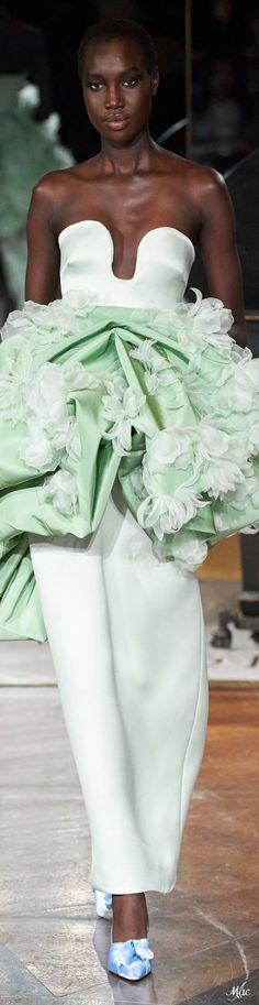 Floral Fashion, High Fashion, Fashion Show, Strapless Dress Formal, Formal Dresses, Wedding Dresses, Moda Floral, Cocktail Outfit, Prabal Gurung