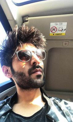 ❤Follow Me Rishita Surve•̀.̫•́✧ Handsome Actors, Cute Actors, Handsome Boys, Handsome Celebrities, Indian Celebrities, Bollywood Celebrities, Bollywood Actress, Star Haircut, Entertainer Of The Year