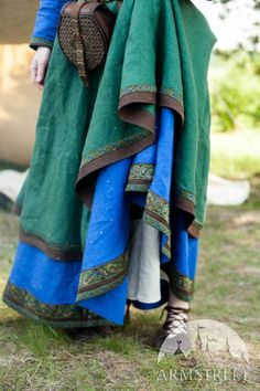 """Ancient Viking Dress and Apron """"Ingrid the Hearthkeeper"""". Available in: green flax linen, blue flax linen, green flax linen, blue flax linen :: by medieval store ArmStreet Costume Roi, Costume Dress, Costumes, Viking Garb, Viking Dress, Linen Apron, Linen Tunic, Medieval Costume, Medieval Dress"""