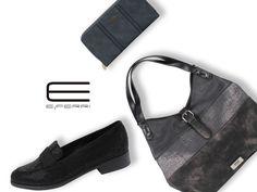 Bolso con detalles metalizados, mocasín con aplicaciones brillantes y cartera, todo de E.Ferri