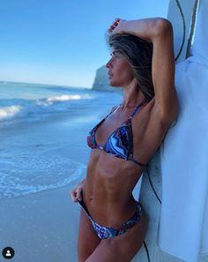 Alimentul cu efecte ca ale ibuprofenului. 10 mâncăruri care te scapă de dureri de tot felul | Imaginea 9 Bikinis, Swimwear, Fashion, Bathing Suits, Moda, Swimsuits, Fashion Styles, Bikini, Bikini Tops