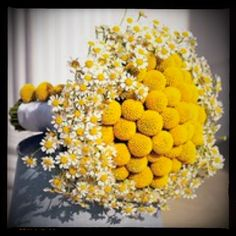 Love this bouquet. So cheerful.