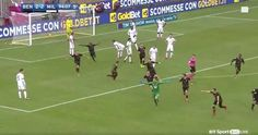 Goalkeeper scores in minute with a header to earn their point after losing 14 games Gennaro Gattuso, Ac Milan, Football Fans, Goalkeeper, Daily News, Shit Happens, Sport, Header, Hero