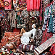 Capadocia, Color Splash, Fairy Tales, Turkey, White Dress, Carpets, Poses, Boho, Lady