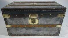 Rare  Zinc  Louis Vuitton trunk   #louisvuitton #travel  http://www.la-malle-en-coin.com/Malles-Louis-Vuitton/malle-dexploration-mtt2014-15.html