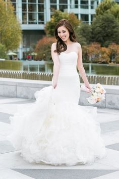 Gorgeous wedding dress idea; photo: Jasmine Lee Photography