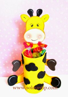 Basteln für den Kindertag in Gummi eva Foam Crafts, Preschool Crafts, Diy And Crafts, Crafts For Kids, Toilet Roll Craft, Toilet Paper Roll Crafts, Giraffe Crafts, Animal Crafts, Rolled Paper Art