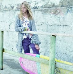 Wool cardigan, violet denim, bracelets