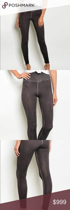 🔥coming soon🔥 Brown Leggings 🍂 perfect for fall ELASTIC WAIST BAND HIGH WISHED ACID WASH LEGGINGS Country: USA Fabric Content: 95% COTTON 5% SPANDEX comment below to hold a size and to be notified when available 🍂 11 degrees Pants Leggings