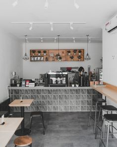 Cute Cafe, Black And White Theme, Coffee Shop Design, Cafe Interior, Desk Ideas, Table, Workspaces, Furniture, Bedrooms