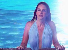 Lana Del Rey https://www.facebook.com/video.php?v=396652330489962&set=vb.100004355940736&type=2&theater