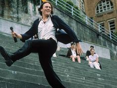 10 things I hate about you: faaaaaaave scene! heath ledger singing... does it get any better?