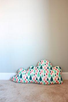 One Little Minute - http://www.onelittleminuteblog.com/2012/03/pinspiration-rain-cloud-pillow/