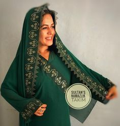 SULTAN'S Embroidery Materials, Embroidery Art, Embroidery Designs, Stylish Clothes For Women, Stylish Outfits, Mirror Work, Embroidered Lace, Sequins, Sari