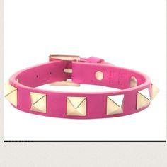 Valentino leather bracelet NEW✨ Pink leather Valentino Rockstud bracelet. 100% authentic. Made in Italy. Brand new never worn. Valentino Jewelry Bracelets