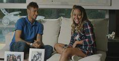 Neymar grava campanha publicitária do Dia das Mães ao lado da irmã, Rafaella