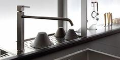 GENIUS LOCI Küche mit Kücheninsel by VALCUCINE Design Gabriele Centazzo