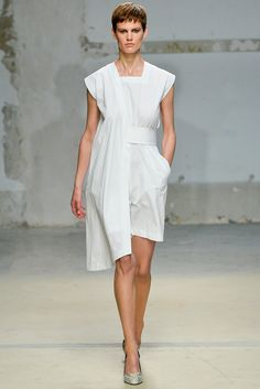 Damir Doma - Spring 2014 Ready-to-Wear - Look 1 of 33