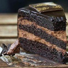 Gloria Jean's Cafè Chocolate Cake