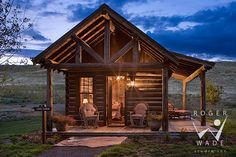 Tiny log home guest house in Montana