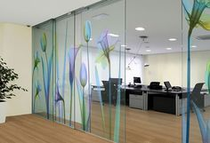 Beautiful floral window film. Glass Partition Designs, Window Glass Design, Door Design, House Design, Office Graphics, Window Graphics, Clinic Design, Healthcare Design, Glass Printing