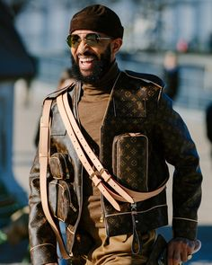 Street Style at Louis Vuitton's Show Brings All the Monograms Out Swag Style, Style Casual, Men Casual, Style Men, Style Streetwear, Streetwear Fashion, Gucci Jacket Mens, Virgil Abloh Louis Vuitton, Urban Fashion