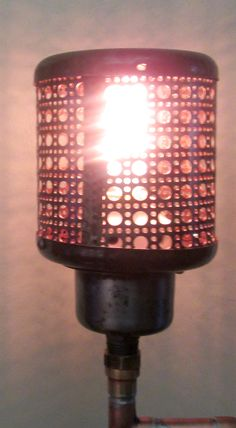 lampe sur pied fabriqu e avec des tuyaux en cuivre et des lampes lamps industriel. Black Bedroom Furniture Sets. Home Design Ideas