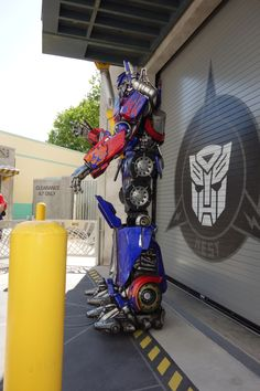 How to meet Megatron, Optimus Prime and Bumblebee at Universal Studios Orlando   KennythePirate Disney World Guide