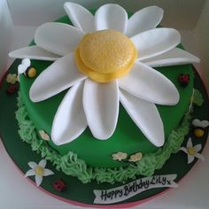 Daisy Cake www.chic-dreams.co.uk