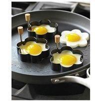 ღღღ -Pro děti aby chutnalo -ღღღ že by tvořítka na cukroví? Huevos Fritos, Griddle Pan, Food Art, Eggs, Breakfast, Recipes, Cutlery, Cookware, Kitchen Ideas
