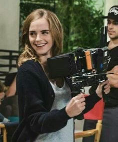 ❤NEW PHOTO❤  Emma Watson behind the scenes of The Circle, 2017.  Crediti : Emma Watson Fans.  Passate dal nostro gruppo : https://www.facebook.com/groups/445446642475974/  ~EmWatson