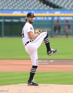 News Photo : Daniel Norris of the Detroit Tigers pitches... Mlb Pitchers, Baseball Field, Baseball Cards, Detroit News, Cbs Sports, American League, Minnesota Twins, Cincinnati Reds, Detroit Tigers