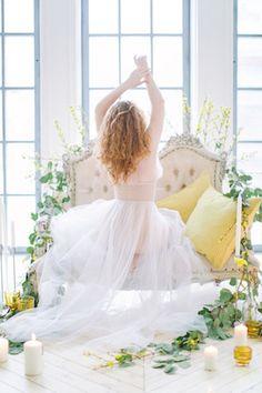 Spring bridal boudoir | Elena Pavlova Photography | see more on: http://burnettsboards.com/2015/04/spring-boudoir-shoot/