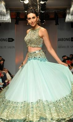 Show-stopper for Arpita Mehta, Karisma looked charming in the pastel coloured lehenga. Wonder how she manages to look so sexy all the time!