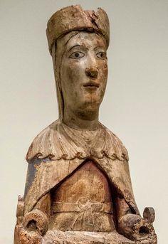 Virgen del Monasterio románico de Santa María de Obarra (Huesca), mitad del siglo XII, madera policromada,  colección particular pero se muestra en el MNAC de Barcelona.