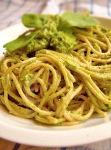 Fitness recepty vhodné pre každého! U nás nájdete zdravé fitness recepty, jednoduché recepty a recepty na chudnutie. Okrem fitness receptov tu nájdete aj recepty pre športovcov, diétne recepty a informácie o zdravej výžive a cvičení. Fall Dinner Recipes, Fall Recipes, Cooking Recipes, Healthy Recipes, What To Cook, Pesto, Spaghetti, Food And Drink, Health Fitness